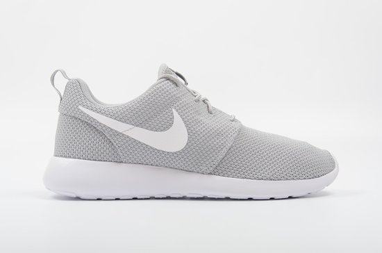 nike roshe run heren maat 42