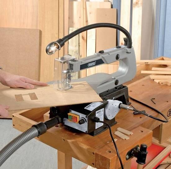 Draper 230V met variabele snelheid decoupeerzaag met flexibele aandrijfas en Worklight