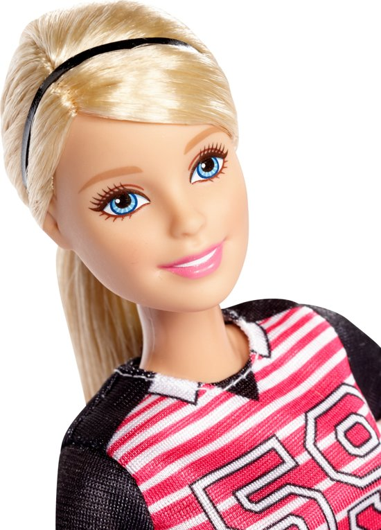 Barbie Made to Move Voetbalster - Barbiepop