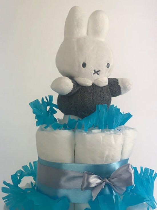 Luiertaart Nijntje jongen 3-laags blauw | 45 A-merk Pampers | schattige sokjes | XL geboortekaart | ideaal voor babyshower, kraamcadeau en Baby cadeau