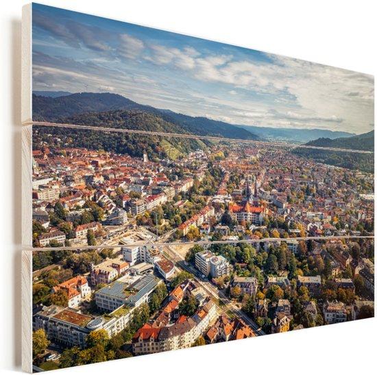 Uitzicht over de Duitse stad Freiburg Vurenhout met planken 160x120 cm - Foto print op Hout (Wanddecoratie) XXL / Groot formaat!