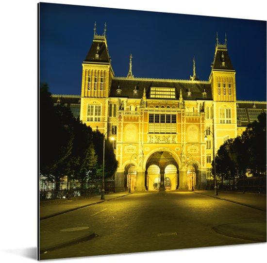 Het verlichte en Nederlandse Rijksmuseum in Europa tijdens de nacht Aluminium 50x50 cm - Foto print op Aluminium (metaal wanddecoratie)