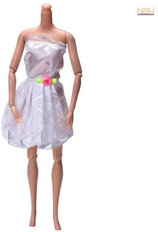 Korte Witte jurk met kant voor de Barbie pop