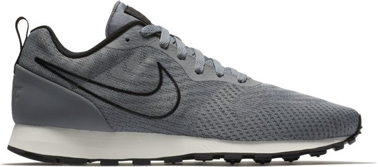 f3b7b0abfd0 Nike MD Runner 2 ENG Mesh Sportschoenen - Maat 43 - Mannen - grijs/zwart