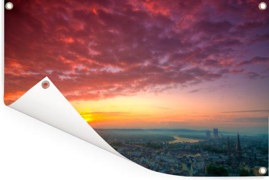 Adembenemende lucht boven Bonn in Duitsland Tuinposter 90x60 cm - Tuindoek / Buitencanvas / Schilderijen voor buiten (tuin decoratie)