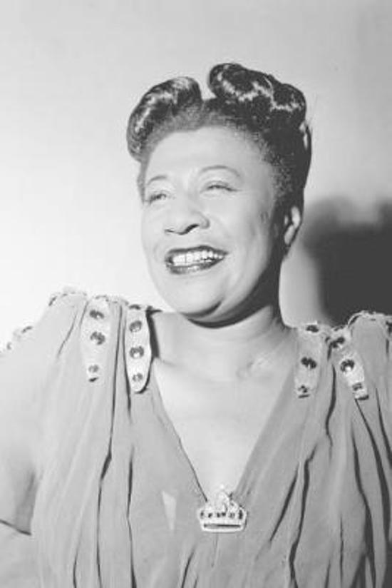 Ella Fitzgerald notebook - achieve your goals, perfect 120 lined pages #1