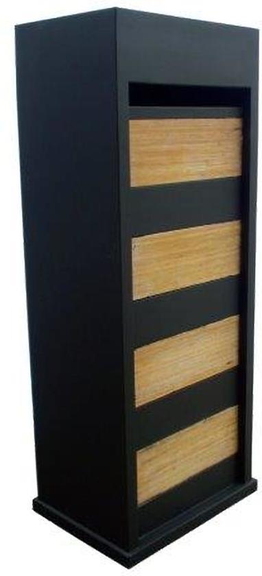 zwarte brievenbus met bamboo