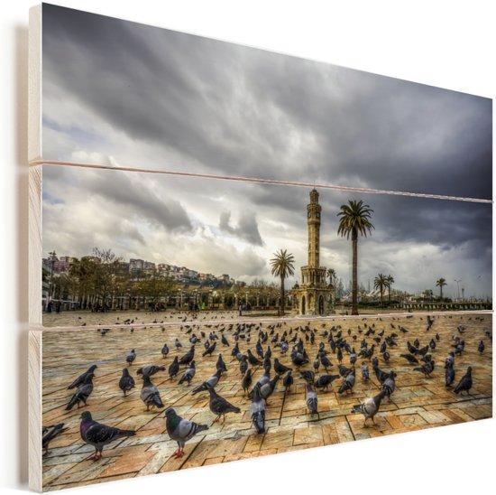 Wolken boven het Konak plein van Izmir in Turkije Vurenhout met planken 60x40 cm - Foto print op Hout (Wanddecoratie)