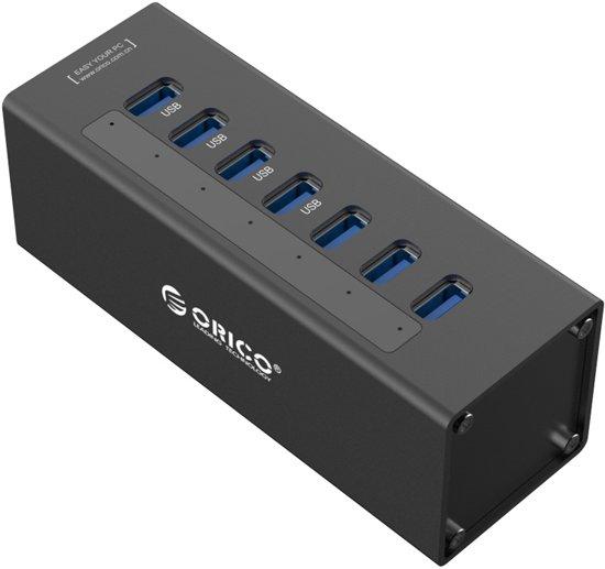USB 3.0 hub met 7 poorten en externe voeding, zwart