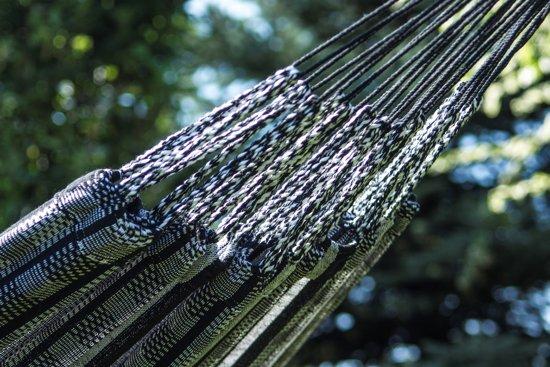 Potenza Titanium Zebra : onverwoestbare verzinkte hangmatset 2 personen / familie hangmat met standaard draagkracht -350 kilo.