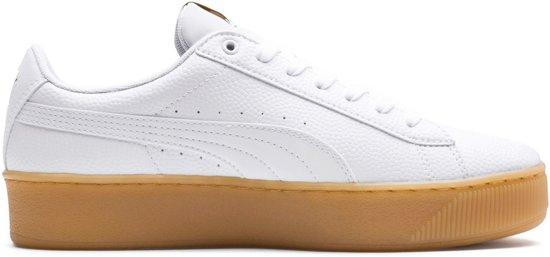 6db3398c69c bol.com   Puma Vikky Platform Sneakers - Maat 40 - Vrouwen - wit/bruin