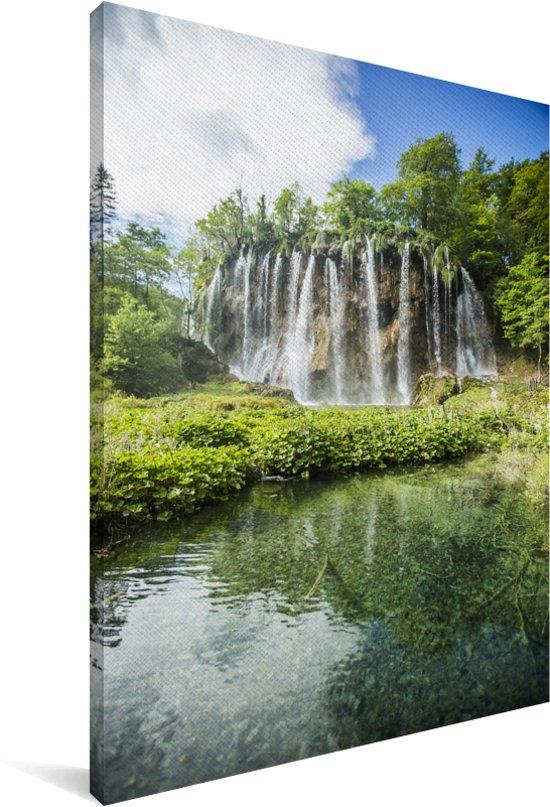 Watervallen in het bos van het Nationaal park Plitvicemeren Canvas 90x140 cm - Foto print op Canvas schilderij (Wanddecoratie woonkamer / slaapkamer)