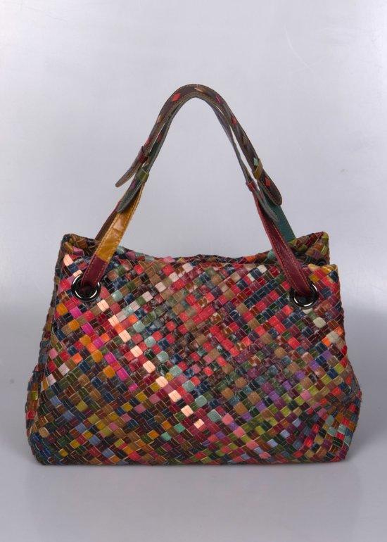4c66a0bf286 Boho shopper tas van gevlochten gekleurde stukjes leer model