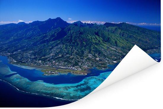 Luchtfoto van het eiland Moorea dichtbij Tahiti Poster 180x120 cm - Foto print op Poster (wanddecoratie woonkamer / slaapkamer) XXL / Groot formaat!