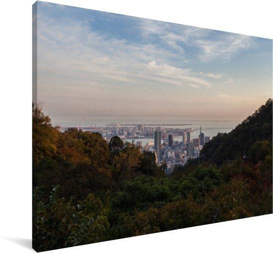 De Kobe stadshorizon in Japan achter groene bergen Canvas 90x60 cm - Foto print op Canvas schilderij (Wanddecoratie woonkamer / slaapkamer) / Aziatische steden Canvas Schilderijen