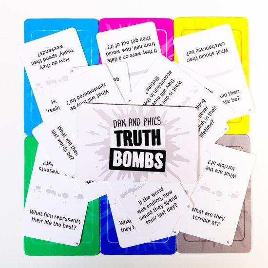 Truth Bombs Spel - The Explosively Honest Party Game - Engelstalig