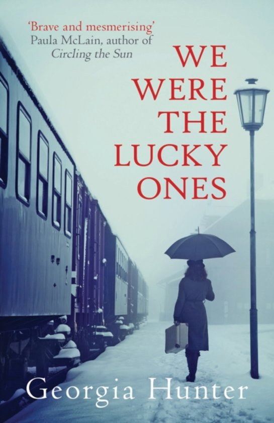 Boek cover We Were the Lucky Ones van Georgia Hunter (Paperback)