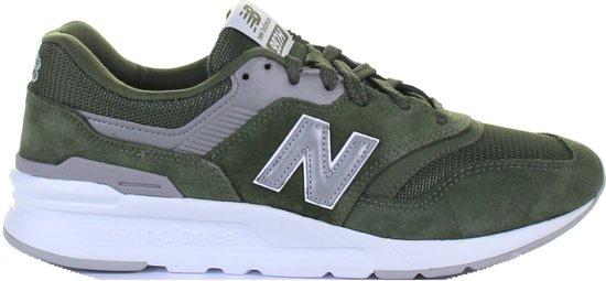 7c0842b09ac bol.com | New Balance CM997HCG groen sneakers heren