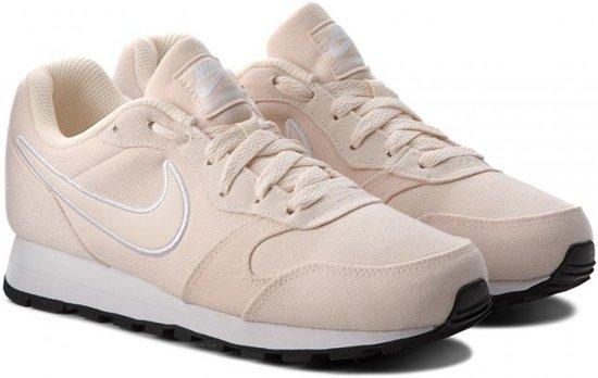 659ca98db23 bol.com | Nike MD Runner WMNS 2se - Schoenen - beige - 40.5