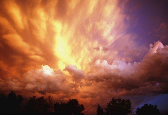 Papermoon Storm Clouds at Sunset Vlies Fotobehang 300x223cm 6-Banen