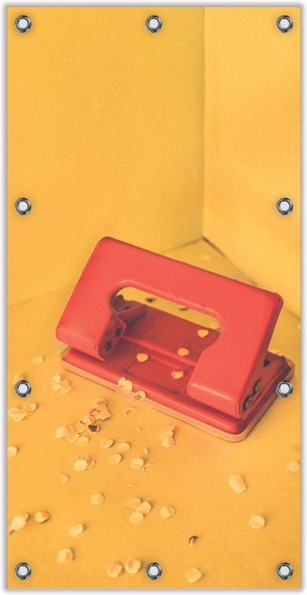 Tuinposter –Rode Perforator met Gele Achtergrond– 100x200cm Foto op Tuinposter (wanddecoratie voor buiten en binnen)