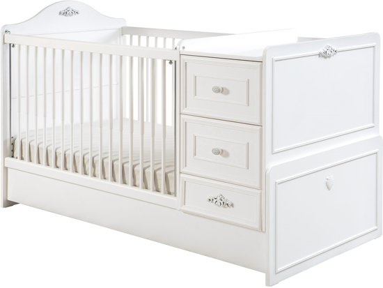 Romantic babybed meegroeibed babykamer