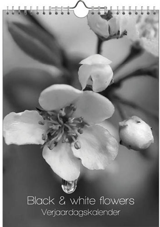 Black & White Flowers Verjaardagskalender