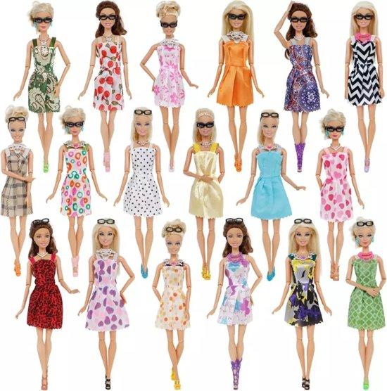 Modepoppen kleding/kleertjes - Set van 30 items - Geschikt voor Barbie