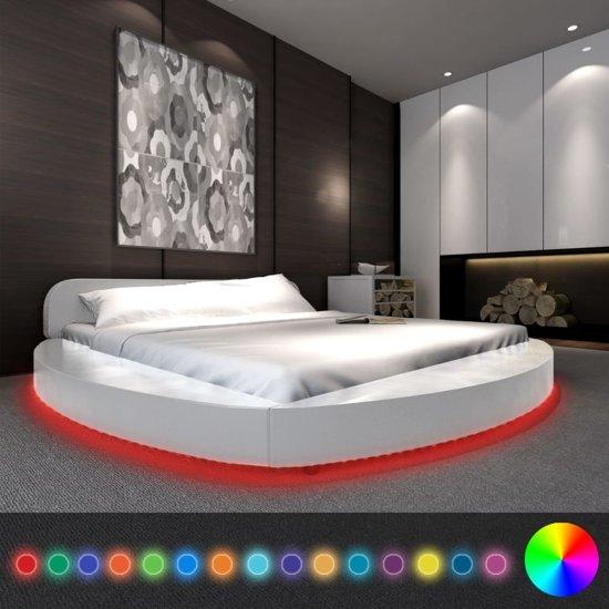 bol.com | vidaXL Bed met matras en LED-verlichting 180x200 cm rond ...