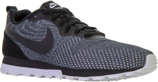 d3b8f76df1f bol.com | Nike MD Runner 2 ENG Mesh Sneakers - Maat 44.5 - Mannen ...