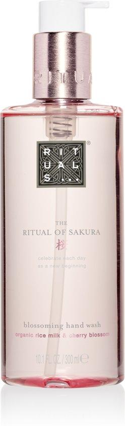The Ritual of Sakura Hand Wash