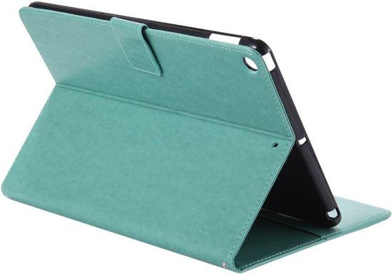 Shop4 - iPad 9.7 (2017) Hoes - Book Cover Kleurrijk Vlinder Patroon Groen in Brunsting