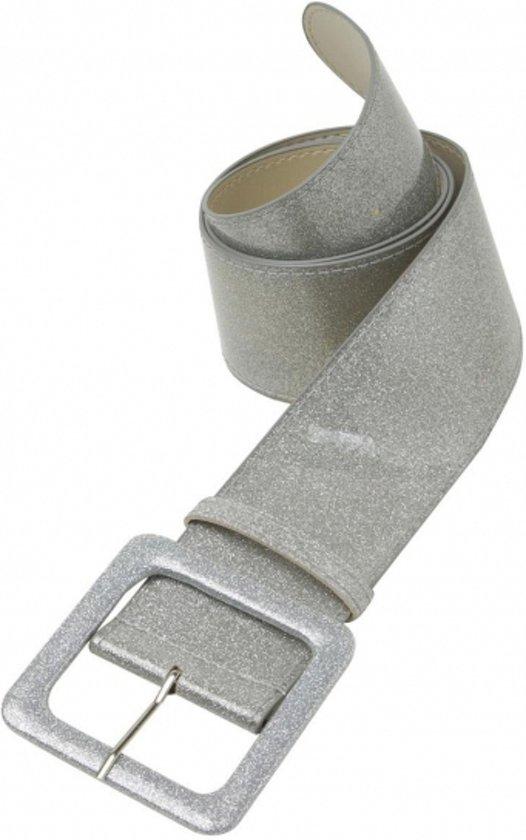 brede zilveren riem