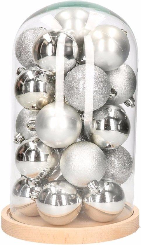 Kerst woondecoratie stolp met zilveren kerstballen Valentinaa