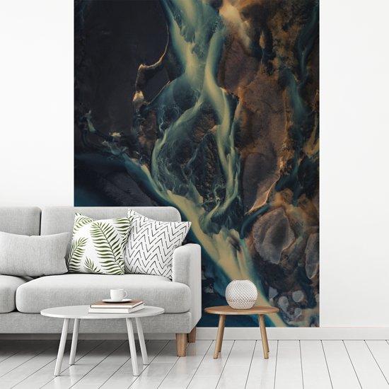 Fotobehang vinyl - Uitzicht op een rivier in het Europese IJsland breedte 190 cm x hoogte 260 cm - Foto print op behang (in 7 formaten beschikbaar)