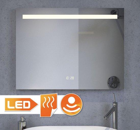 Badkamerspiegel met ingebouwde verlichting Badkamerspiegel met led verlichting en verwarming
