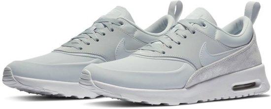 Nike Air Max Thea Premium Sneakers Dames ... - bol.com