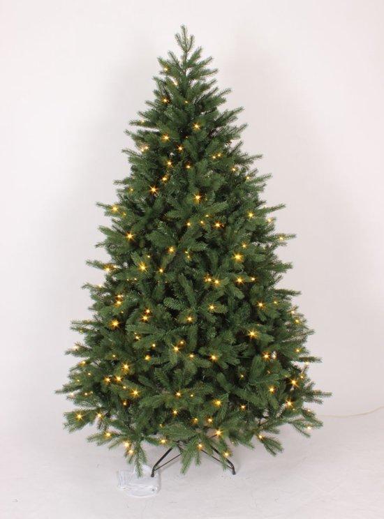 kunstkerstboom georgia premium pe pvc met 200 warm led lampjes hoogte 150 cm