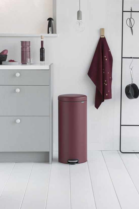 Brabantia NewIcon Pedaalemmer 30 Liter Mineral Windsor Red