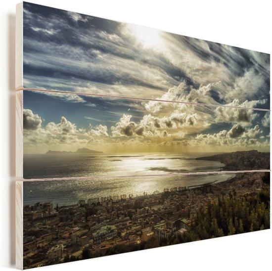 Zonnestralen in de lucht boven de Golf van Napels in Italië Vurenhout met planken 60x40 cm - Foto print op Hout (Wanddecoratie)