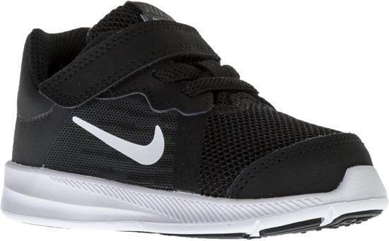 3eeca7479ac Nike Downshifter 7 (TDV) Sportschoenen Junior Hardloopschoenen - Maat 21 -  Unisex - zwart