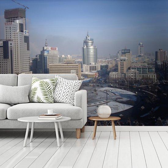 Fotobehang vinyl - Het grijze centrum van Anshan in China breedte 480 cm x hoogte 360 cm - Foto print op behang (in 7 formaten beschikbaar)
