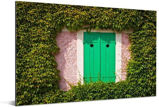 Klapdeurtjes aan de zijkant van de boederij bij Monet's tuin in Frankrijk Aluminium 120x80 cm - Foto print op Aluminium (metaal wanddecoratie)