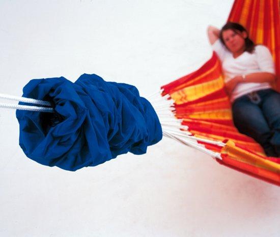 Hangmat-beschermende sok. Beschermt tegen water, vuil en verkleuring - zo hoef je de hangmat niet telkens binnen te halen - past op alle niet-spreidstok hangmatten (blauw)