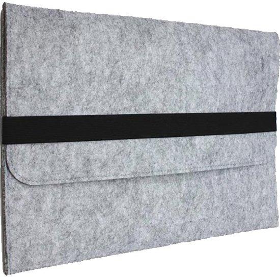 Shop4 - MacBook 13 inch Air Hoes - Sleeve Wolvilt Licht Grijs
