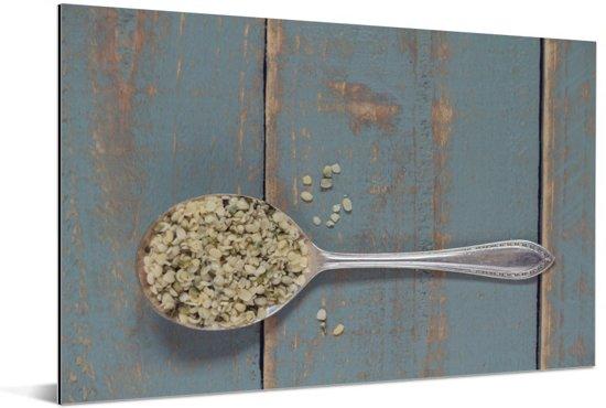 Gezonde hennepzaden op een vintage lepel op een houten tafel Aluminium 30x20 cm - klein - Foto print op Aluminium (metaal wanddecoratie)