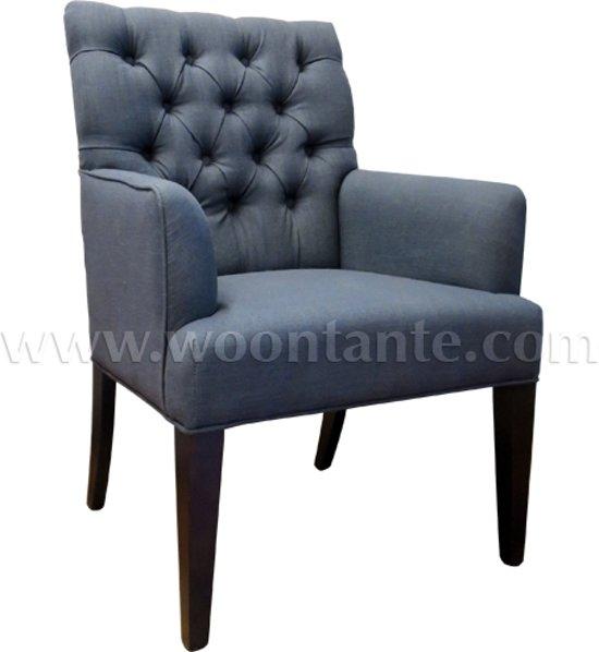 Lavandoux gecapitonneerde linnen eetkamerstoel for Eetkamerstoel fauteuil