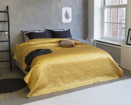 Sleeptime Clara Satijn - Bedsprei - 260x250 cm - Goud