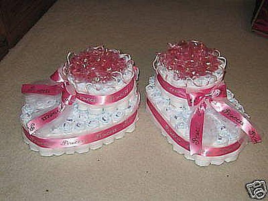 Pampertaart meisjes / luiertaart  / tweelingen / 2 schoentjes maat 1 (2-5 kg)