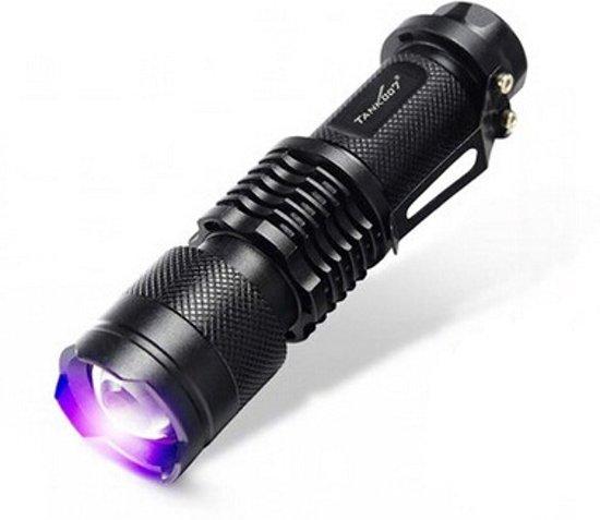Premium Tank-007 UV Zaklamp LED 365nm + 1 GRATIS AA Batterij - Geocaching - UV Urine detector  * Opsporen Vlekken  * Vals Geld Detector - UV uitharden - Opsporen Lekken . Blacklight Zaklantaarn